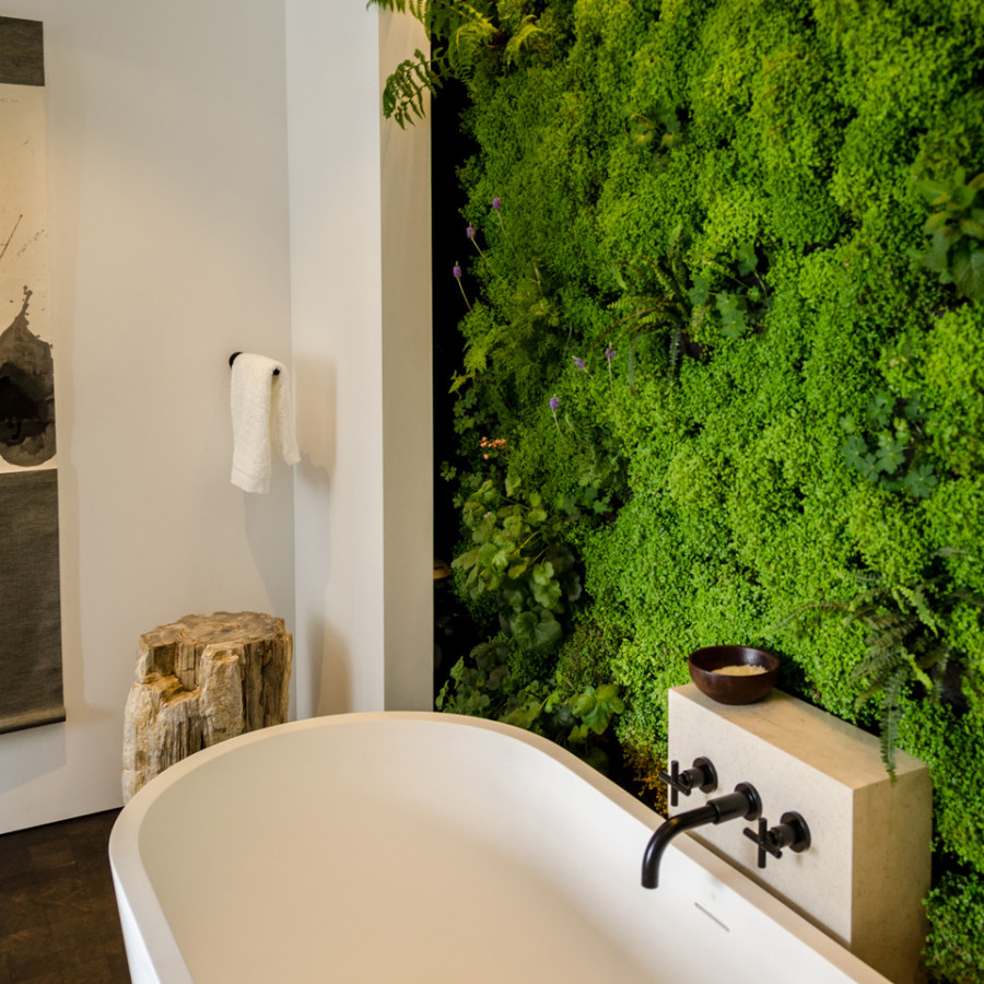 Grass Wall Bathroom Decor