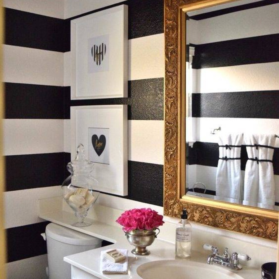 Striped Wall Bathroom Decor