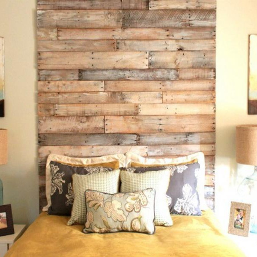 Pallet Wall Bedroom Decor