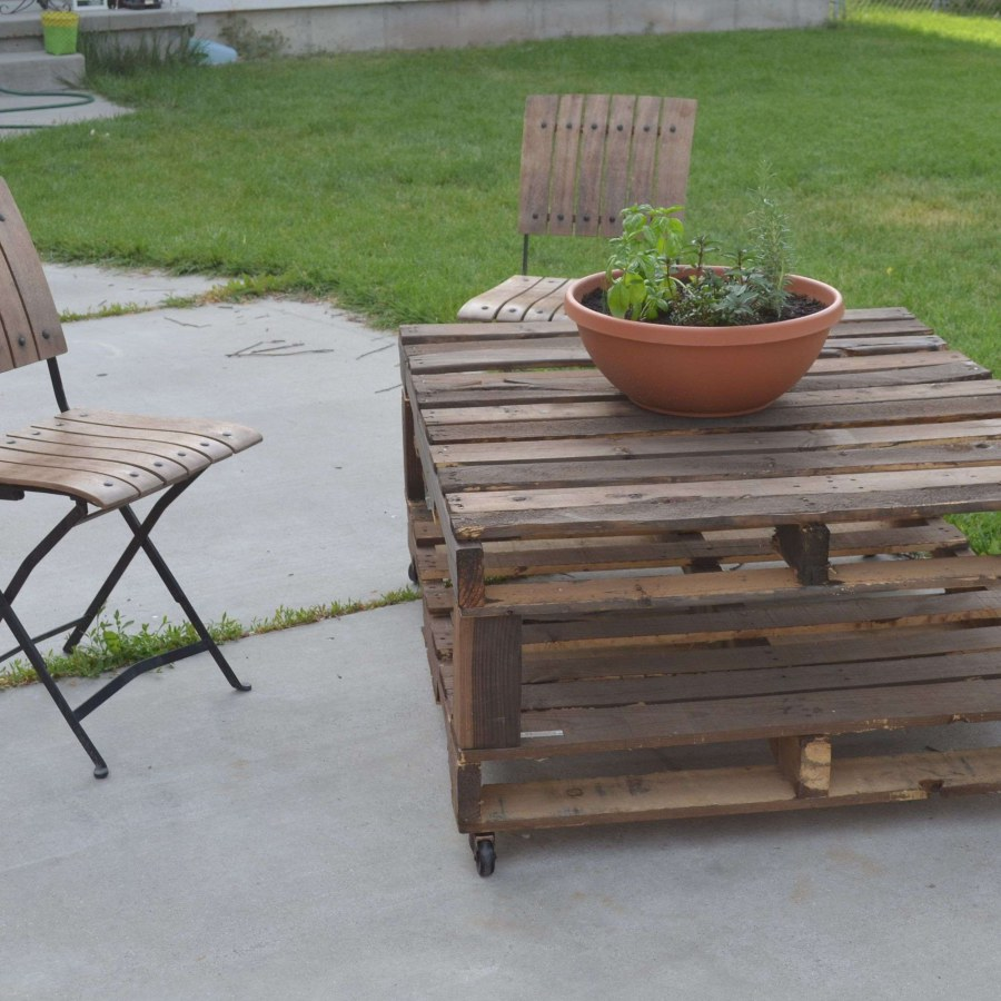 DIY Patio Table And Chair